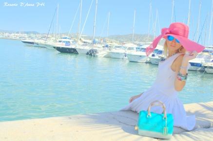 PORTO DI IBIZA                                                                                                                                                                                                                                                              @Gucci dress   @Candy bag Furla   @Soireve hat   @desigual jewels