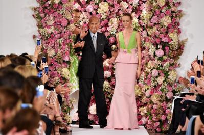oscar-de-la-renta-fashion-show-during-new-york-fashion-week-september-9-2014_4